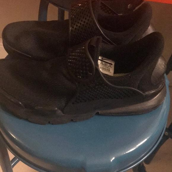 buy popular f1469 1bab4 Black Nike sock dart shoes